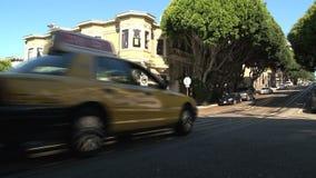 Carrozza gialla San Francisco stock footage