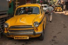 Carrozze gialle caratteristiche di Calcutta Fotografie Stock Libere da Diritti