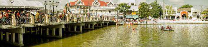 Carry Chinese Goddess Palanquins Across der Fluss Lizenzfreie Stockfotos