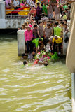 Carry Chinese Goddess Palanquins Across der Fluss Stockbilder