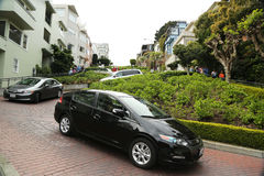 Cars Moving Downhill On Lombard Street In San Francisco Stock Images