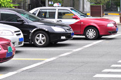 Cars waiting traffic lights Royalty Free Stock Photography