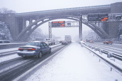 Cars in winter storm and fresh snow on Route 80/95 in Fort Lee New Jersey from New York City, NY Stock Photography