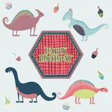 Cartão bonito do feliz aniversario no vetor Cartão inspirado doce com dinossauros e bolos dos desenhos animados em cores retros Fotografia de Stock
