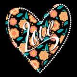 Cartão com coração no teste padrão floral escuro Fotografia de Stock Royalty Free