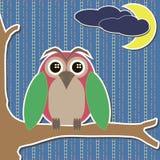 Cartão com a coruja na lua e nas nuvens da filial Ilustração do Vetor