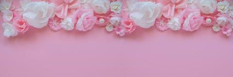 Cartão com flores de papel Fotografia de Stock