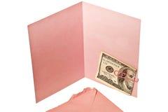 Cartão cor-de-rosa vazio com cem notas de dólar imagem de stock