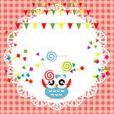 Cartão da festa de anos com coruja bonito Fotografia de Stock