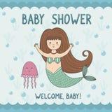 Cartão da festa do bebê com sereia bonito e medusa ilustração stock