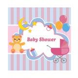 Cartão da festa do bebê com um urso, um carrinho de criança, um brinquedo e os balões Ilustração do vetor ilustração stock
