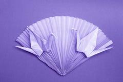 Cartão da foto do origâmi - o papel Cranes as fotos conservadas em estoque do fã Fotos de Stock Royalty Free