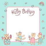 Cartão das crianças do vetor nas cores pastel Feliz aniversario Menina com gelado, menino do gatinho com fruto e doce Imagens de Stock