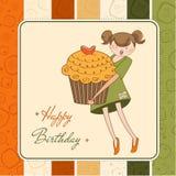Cartão de aniversário com menina e o queque engraçados Fotografia de Stock Royalty Free