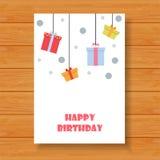 Cartão de aniversário no fundo de madeira Foto de Stock