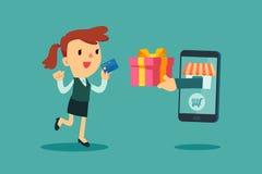 Cartão de crédito do uso da mulher de negócios a shoping em linha Imagem de Stock