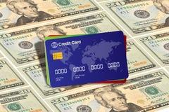 Cartão de crédito em linha da compra com fundo do dinheiro Imagem de Stock