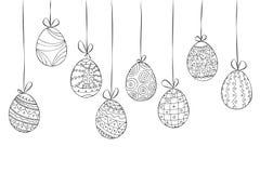 Cartão de easter tirado mão de ovos de suspensão Doodle o estilo Fotografia de Stock
