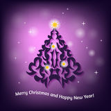 Cartão de Natal com a árvore de Natal no fundo borrado Foto de Stock Royalty Free