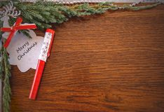 Cartão de Natal com as palavras: Feliz Natal imagem de stock royalty free