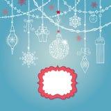 Cartão de Natal com bola, festões, etiqueta, presentes ilustração stock