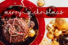 Cartão de Natal, Feliz Natal, ingleses, Inglaterra, tabela, neve, bola do Natal, xmas ilustração do vetor