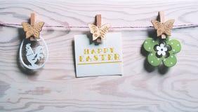 Cartão de Páscoa com a Páscoa feliz das palavras imagens de stock