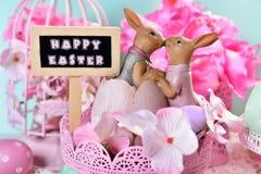 Cartão de Páscoa nas cores pastel com texto do cumprimento Foto de Stock