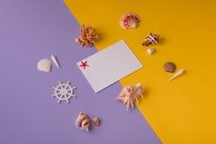Cartão de papel com as lembranças marinhas em vívido Fotografia de Stock Royalty Free