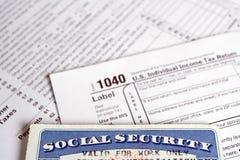 Cartão de segurança social e formulários de imposto Imagens de Stock Royalty Free
