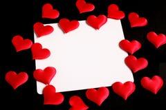 Cartão do amor com corações vermelhos Foto de Stock