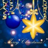 Cartão do ano novo Bola da estrela do Natal com curva e fita Decorações do Xmas Sparkles e bokeh Brilhante e incandescência Fotos de Stock Royalty Free