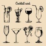 Cartão do cocktail A mão esboçou vidros das bebidas alcoólicas Grupo do vetor das ilustrações das bebidas, do vodkatini, do champ Imagem de Stock Royalty Free