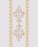 Cartão do convite com ornamento dourado Ilustração do Vetor