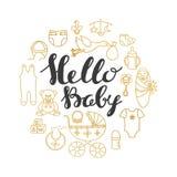 Cartão do cumprimento e do convite da celebração da festa do bebê com rotulação da mão Fotografia de Stock
