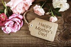 Cartão do dia de mães com rosas rústicas Foto de Stock Royalty Free