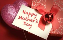 Cartão do dia de mães feliz e da caixa prensent Fotos de Stock