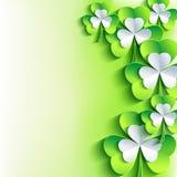 Cartão do dia de St Patrick com o trevo verde e cinzento da folha Fotografia de Stock Royalty Free