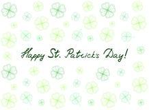 Cartão do dia do ` s de St Patrick com as folhas e texto macios verdes do trevo Inscrição - dia feliz do ` s de St Patrick! Fotografia de Stock Royalty Free