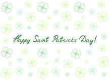 Cartão do dia do ` s de St Patrick com as folhas e texto macios verdes do trevo Inscrição - dia feliz do ` s de St Patrick! Foto de Stock Royalty Free