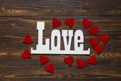 Cartão do dia dos Valentim com corações pequenos Fotos de Stock
