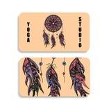 Cartão do estúdio da ioga com a imagem de um Dreamcatcher Fotos de Stock Royalty Free