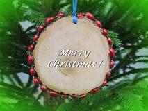 Cartão do Feliz Natal feito usando a decoração da árvore de abeto, Lituânia imagem de stock