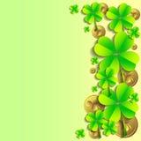 Cartão do feriado no dia de St Patrick 17 de março - dia da boa sorte, de trevos afortunados e de duendes Foto de Stock Royalty Free