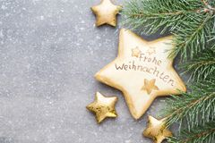 Cartão do Natal com as decorações do ouro do Natal Foto de Stock Royalty Free