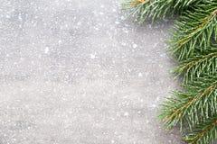 Cartão do Natal com as decorações do ouro do Natal Imagens de Stock Royalty Free