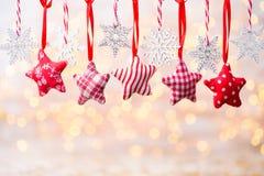 Cartão do Natal com as decorações rústicas do Natal Imagem de Stock Royalty Free