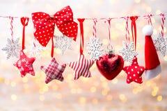Cartão do Natal com as decorações rústicas do Natal Fotos de Stock