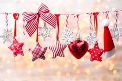 Cartão do Natal com as decorações rústicas do Natal Fotografia de Stock