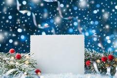 Cartão do Natal com placa de papel para o texto Modelo do feriado Fotografia de Stock